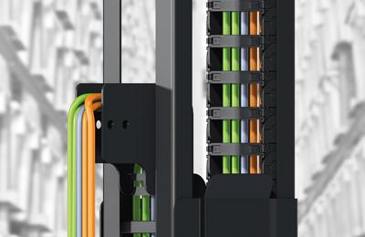 igus导槽引导拖链安静稳定运行,垂直运行速度达 7 米/秒