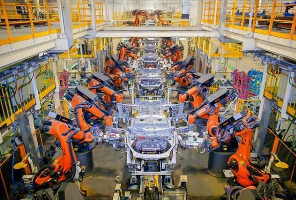 报告:2025年机器人替代效应将@ 达4.7%