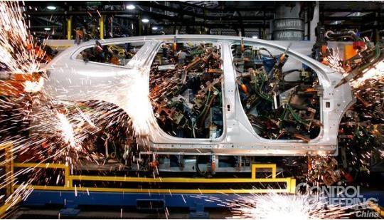 """""""机器换人""""为什么可怕:一个机器人顶6名工人"""
