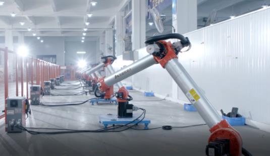 產量連續兩個月同比正增長 工業機器人產業拐點到了嗎?