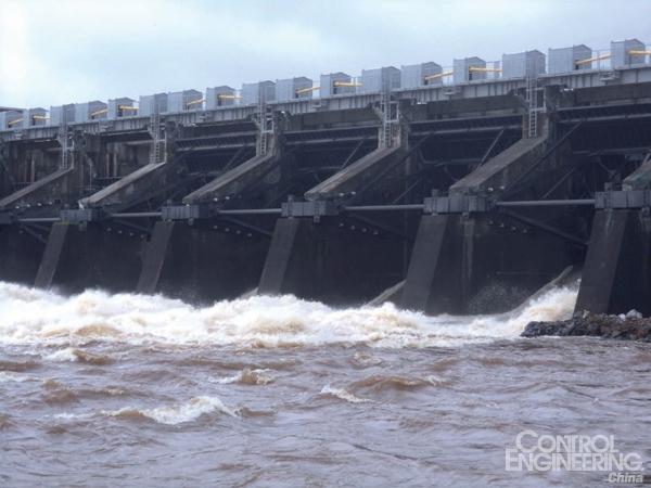 使用智能接线技术在线监控水电厂为非洲充电