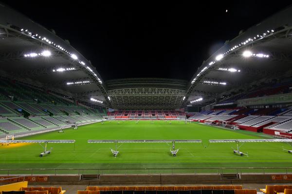 为全球最大的橄榄球巡回赛,日本御崎公园体育场换装全新LED照明