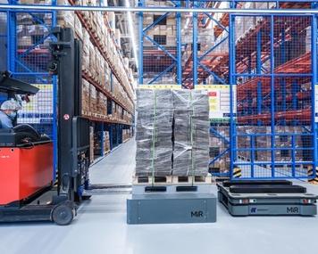"""仓储自动化,自主移动机器人助企业应考""""双十一"""""""