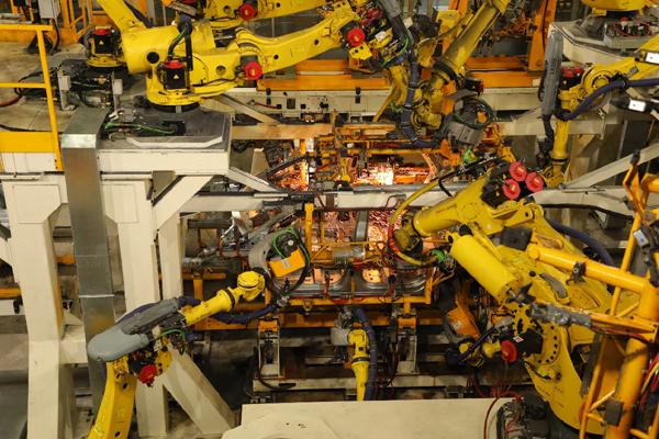 """打造汽车行业""""全球新一代标杆工厂"""""""