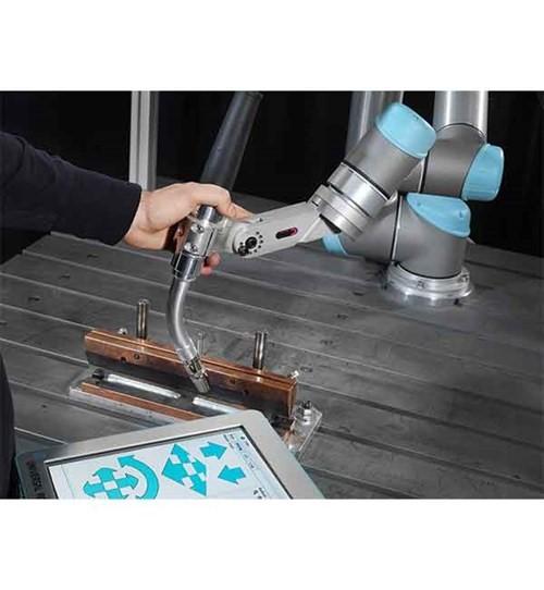 優傲機器人推出UR+應用套件顯著簡化協作機器人部署