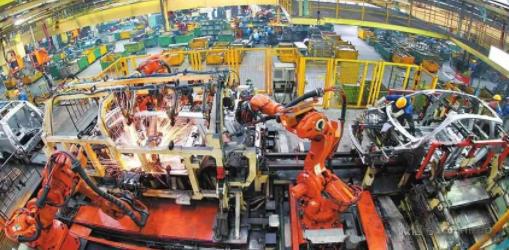 經濟日報:各地復工要把制造業作為重中之重
