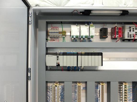 如何实施新旧DCS系统的切换?